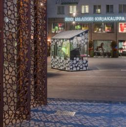 Rotuaarin jäätelökioski Rotuaari ice-cream stall